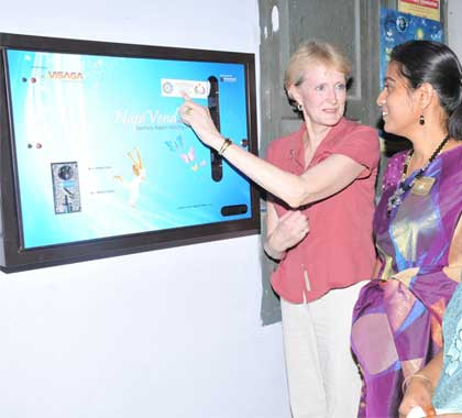 napkin-vending-machine-international-president-inauguration-rotary-clubs-of-karur-angles